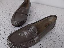 EUC  SAS Womens Shoe Size 9.5 N Leather Loafers Gray Moc Toe Tripad Comfort, USA