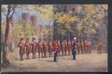 Military Postcard - Beefeaters, Tower of London   RS14182
