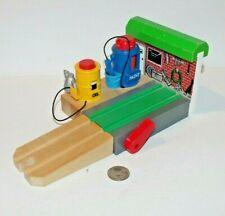 Thomas & Friends Wooden Railway Train Tank Engine - Abbey Repair Shed with Ramp