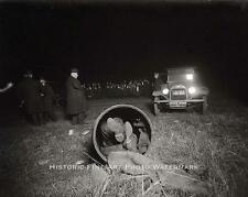 VINTAGE MOB HIT PHOTO MOBSTER DEAD BODY STUFFED IN DRAIN PIPE CRIME SCENE #20722