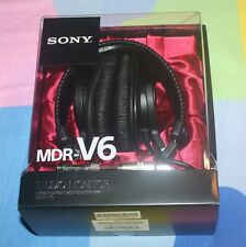 BRAND NEW Sony MDRV6 Studio Monitor Headphones with CCAW Voice Coil