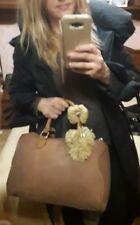 borsa donna bauletto medio grande in lana rasata design fiocco pon pon fix beige