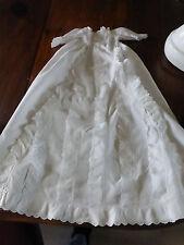 ancienne robe cape de baptême en piqué de coton à volants brodés linge ancien
