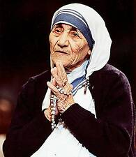 MADRE MOTHER TERESA CALCUTA PRAYING NOBEL PRIZE  PHOTO 8x10 FANTASTIC PICTURE