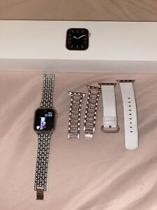 Apple Watch Series 5 GPS & Cellular 40mm Rose Gold + 4 Bands