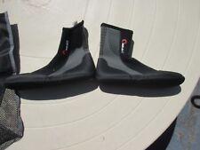 SEAK WOMEN'S SKIN DIVE REEF BOOTS - SIZE 6 - BRAND NEW