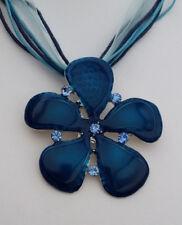 Bänderkette Anhänger Blume 5,5 cm türkisgrün Strass blau *NEU*