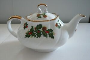 Queen's Rosina China Yuletide Teapot Oval Shape Holly Berries, Gold Trim