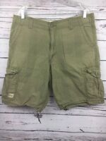 Levi's Cargo Shorts Men's Size 36 Green Plaid Light Weight Cotton