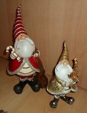 2 Lustige Figuren Nikolaus Weihnachtsmann großer Bart weiter Mantel spitzer Hut