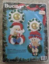 Bucilla Christmas Mr and Mrs Claus Doorknob Cover Hanger Felt Applique Vtg 1994