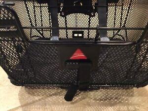 Axiom Pet Bicycle Basket with Rack & Handlebar Mounts: Black