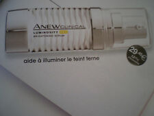 Le concentré illuminant LUMINOSITY  PRO ANEW CLINICAL Tout âge soin de peau