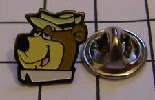 YOGI BEAR variant 2 HANNA BARBERA vintage pin badge Z4X