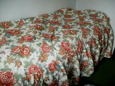 NEW UNUSED FLORAL QUILTED BEDSPREAD- SINGLE BED  SIZE.