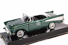 CHEVROLET BEL AIR 1957 GREEN WHITE MOTORMAX 73228 1:24 NEW MODEL BOX TEAR