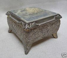 Antique Japanese Decorative Trinket Box w. Carved Lovers Design & Leaf Motifs