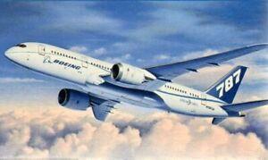 Revell 1/144 Boeing 787-8 Dreamliner # 04261