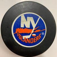 Vintage NEW YORK ISLANDERS Trench MFG Official NHL Hockey Puck RARE