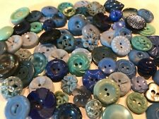 VINTAGE LOT 71 SMALL  PLASTIC BUTTONS  ALL BLUE  AND GREEN 1960'S FLOWERS FANCY