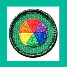 VISUAL ARTS Jr. Jade Girl Scout BADGE NEW 2001 Patch Color-Wheel Multi=1 Ship Ch