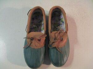 Women's Kamik Slip on Duck shoes green/ brown sz 11