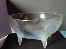 R.Lalique France - Coupe quadripode aux Lys - verre opalescent moulé -  n° : 382