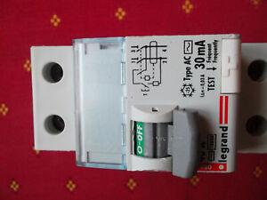 LEGRAND 08629  Interrupteur différentiel Legrand dx³ 40A 30mA  AC