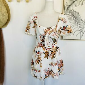 FOREVER NEW | Size 8 | White Floral Linen Blend Playsuit Tie Front Gold Details
