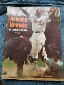 1967 ATLANTA BRAVES YEARBOOK HANK AARON, PHIL NIEKRO EXCELLENT        GROBEE1957