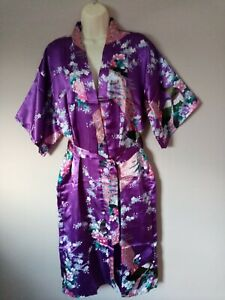 Ladies Silky Chinese Kimono Type Dressing Gown Robe Freesize / Onesize 12 to 18.