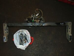 VOLVO V70 XC70 ELECTRIC TOW BAR / TOWBAR WITH FITTING 30682085