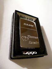 Zippo Feuerzeug mit persönlicher Gravur: Datum, Namen und Herzen