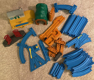 HUGE Tomy Thomas The Train Trackmaster Blue Plastic Tracks Lot 75+ Replacements