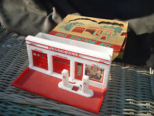 Bachmann Plasticville GAS STATION KIT Complete W/ DISPLAY Box & Fuel Pumps
