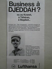 5/1969 PUB LUFTHANSA GERMAN AIRLINES HOTESSE AIR STEWARDESS DJEDDAH FRENCH AD
