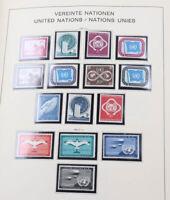 UNO postfrische Sammlung Genf, Wien und New York bis 1990 in 2 Alben