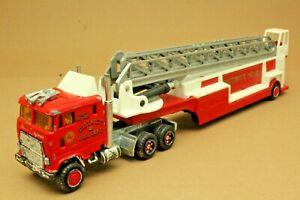 Camion FORD CL 9000 Pompiers grande échelle - MAJORETTE - Made in France - 1:87