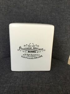 POTTERY BARN WHITE CERAMIC FRENCH APOTHECARY PHARMACY SQUARE TISSUE BOX COVER