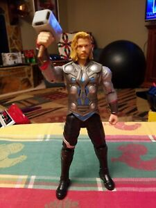 """The Mighty Thor 10"""" Action Figure Talking Light-up Hammer Marvel Hasbro 2011"""