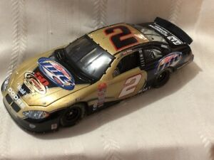NASCAR Diecast 1/24 #2 Rusty Wallace MILLER LITE Penske 50th win 2003 Intrepid