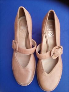 Ladies shoes by clarks size7