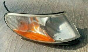 99-02 OEM Saab 9-3 front passenger side corner marker light lamp 88 205 903 OEM