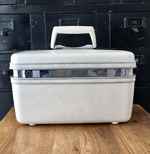 Vintage Samsonite Silhouette White Train Case EUC