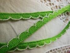 ancien galon dentelle vintage vert avec bordure blanche 5 métres sur 0,7 cm