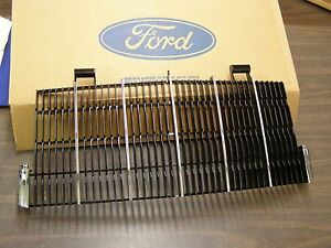 NOS OEM Ford 1990 1991 Lincoln Continental Mark VII 7 Grille LSC