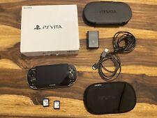 Sony Playstation PS Vita Konsole mit Spielen, Zubehörpaket  Sehr Guter Zustand