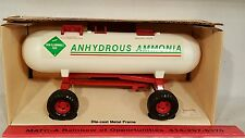 ErtlAnhydrous Ammonnia Tank 1/16 diecast farm implement replica collectible