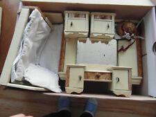 altes Puppenschlafzimmer Puppenstube