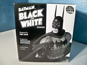 Batman Black and White Tim Sale Statue 1st edition 4682 of 5000 2005